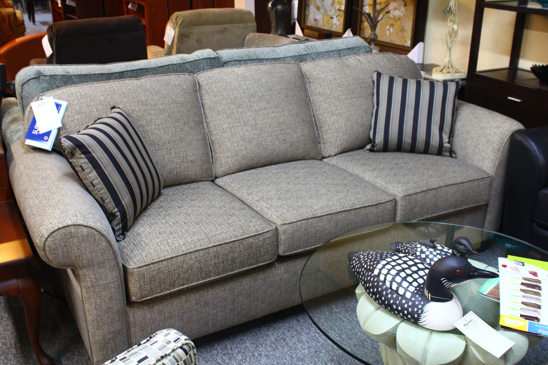 Sofas Love seats and Sectionals : 6537341orig from www.wynansfurniture.com size 1100 x 733 jpeg 352kB